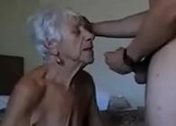 Abuela salida recuerda lo que era el sexo gracias a su nieto