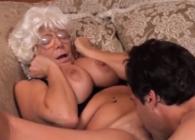 Abuela vuelve a sentir un orgasmo después de veinte años