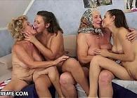 Abuelas y nietas pasan un rato agradable de sexo juntas