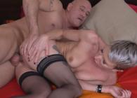 Su nuevo amante le mete la caña que ella necesita para llegar al orgasmo