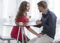 La cita romántica se convierte en una cita sexual con ayuda del alcohol