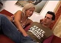 Madre e hijo follando juntos por simple aburrimiento