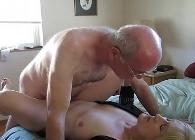 Matrimonio jubilado se graba mientras mantiene relaciones sexuales