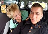 Quería tener dentro de su viejo coño la polla del taxista